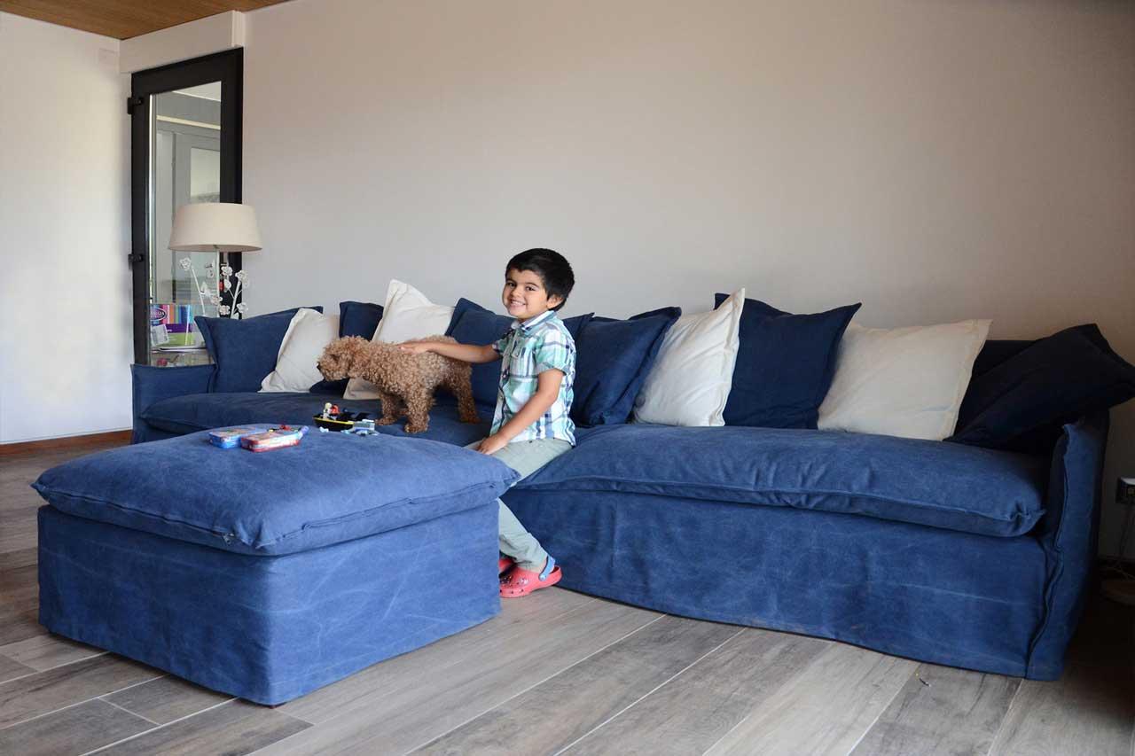 sofaonline - cliente satisfecho con su sofa y puf independiente