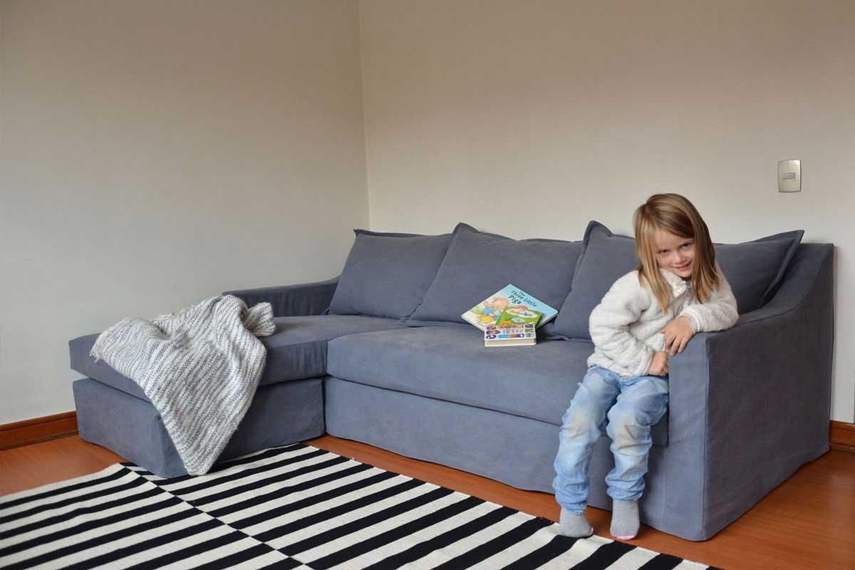 sofaonline - cliente satisfecho con sofa modular a medida Sara